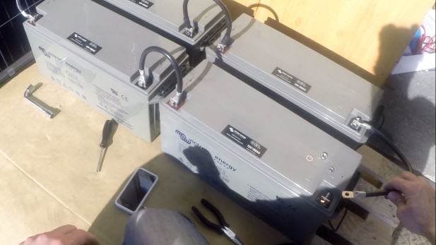 guide de montage kit solaire autonome 24v 1000w convertisseur 24v 230v. Black Bedroom Furniture Sets. Home Design Ideas
