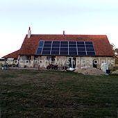 maison de campagne à panneau solaire