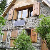 Maison-isolé avec panneau